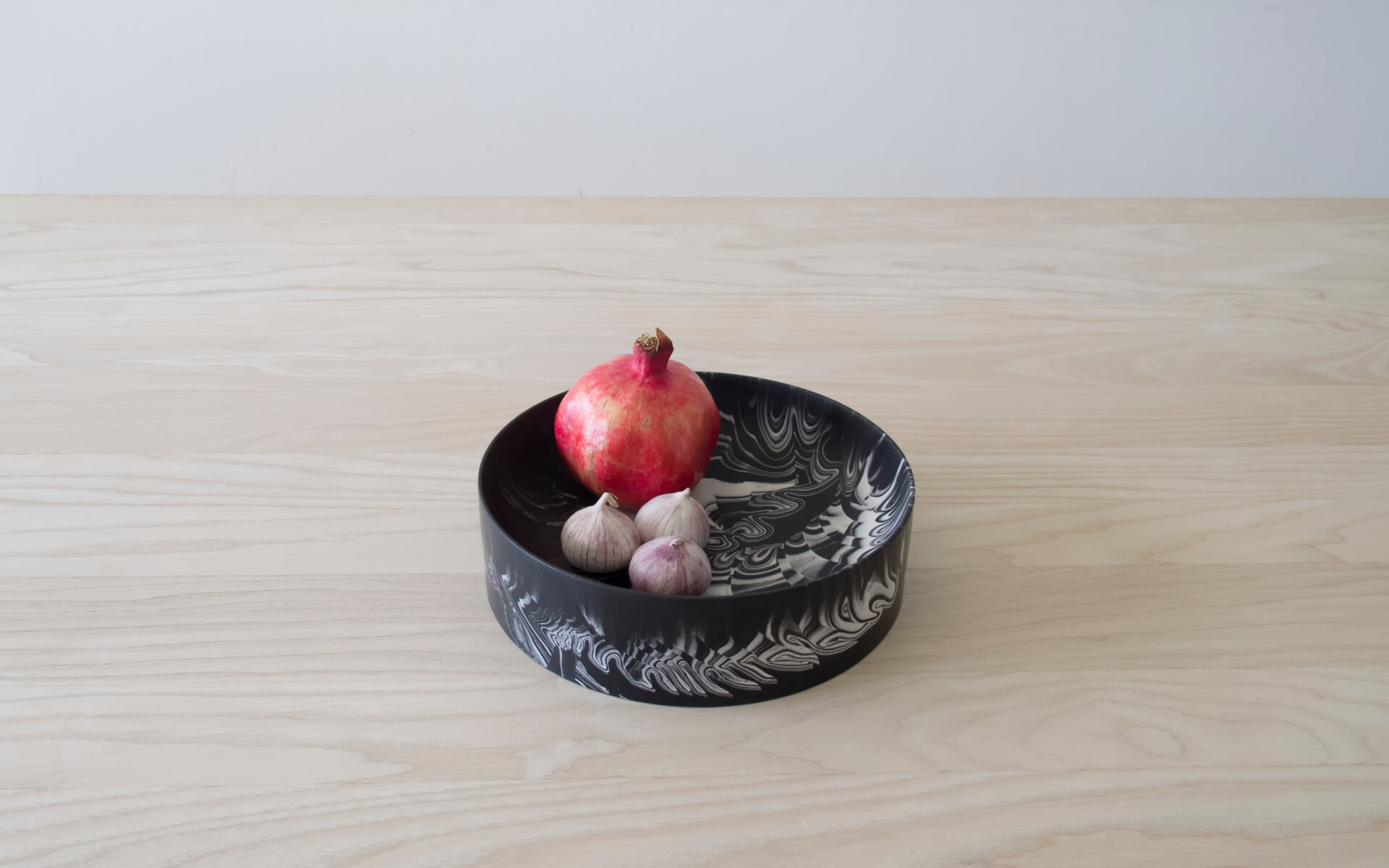 Poured Bowl – Large – Black with White – Angled View – Troels_Flensted – 300dpi