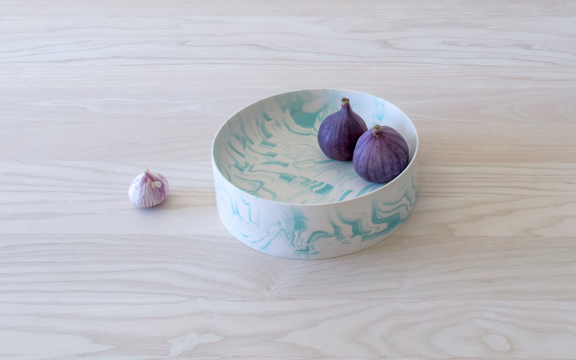 Poured Bowl – Large – White with Light Green – Angled View – Troels_Flensted – 300dpi