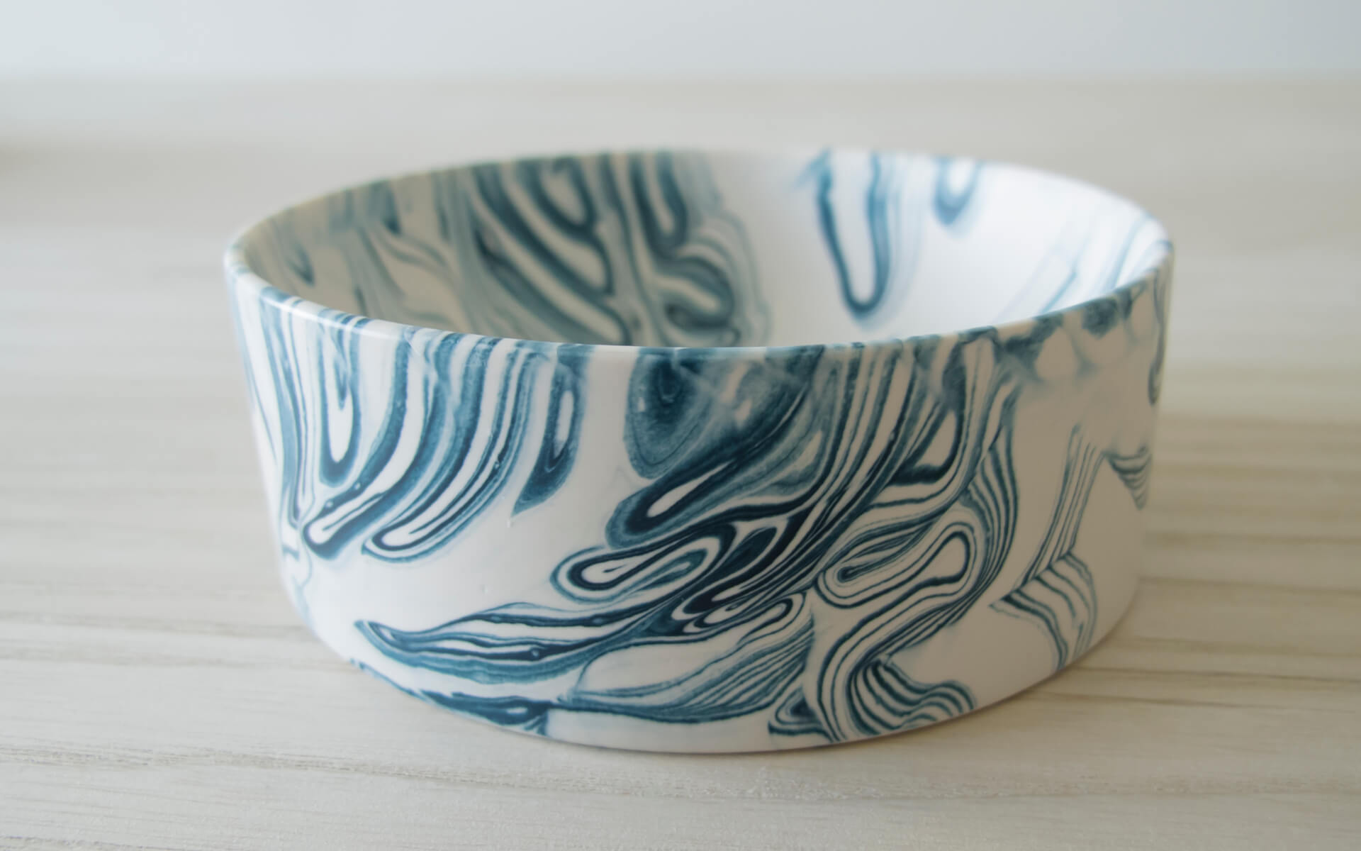 Poured Bowl – Small – White with Dark Blue – Angled View 1 – Troels_Flensted – 300dpi